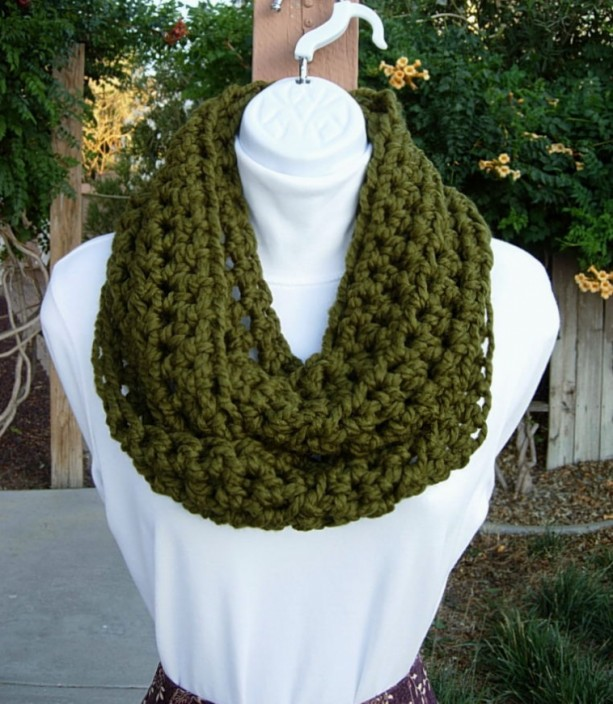 COWL SCARF Infinity Loop, Dark Solid Olive Military Green, Thick Soft Wool Blend Crochet Knit Winter Endless Circle..Ready to Ship in 3 Days
