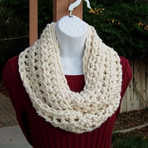 INFINITY SCARF Cowl Loop, Solid Light Cream Off-White, Soft Wool Blend Thick Crochet Knit Winter Circle Neck Warmer..Ready to Ship in 2 Days