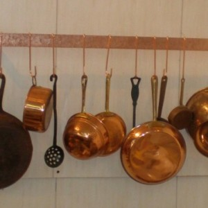 30 W x 5 D x 1-1/2 H Wall Mounted HAMMERED Finish SOLID COPPER Pot Rack & 10 Pot Hooks - Free Shipping to U S Zip codes