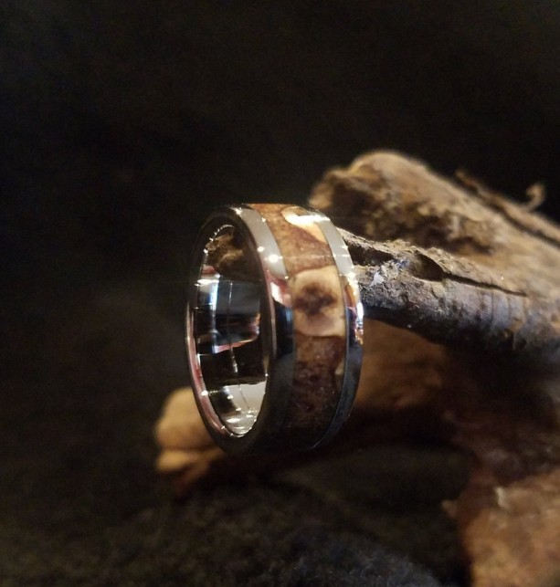 size 6 1/4 Pine cone ring with Stainless Steel core and edge bands. 9mm width