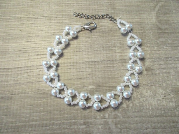 Beaded Bracelet White Pearl Glass Beads