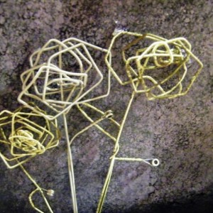 String flower art