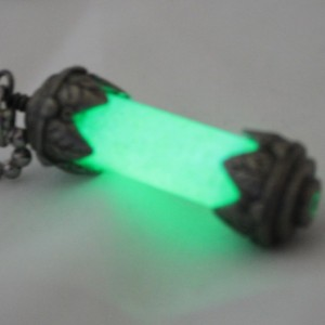 Tink's Pixie Fairy Dust Necklace - Fairy Tales - OUAT - Green - Tink - Glass Vial - Captain Hook - Gifts for her - Glow in the Dark