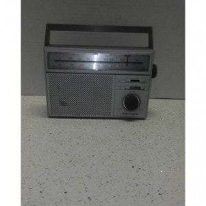 Vintage Radio/ Bluetooth Speaker/ Portable Radio