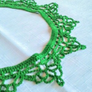 "NeckLACE in MyrtleGreen  (19"")"