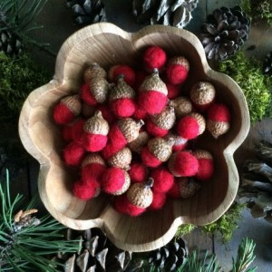 Felted wool acorns, Red, wholesale set of 50, autumn home decor, fall table decoration, red bowl filler, red wool acorns, Thanksgiving decor