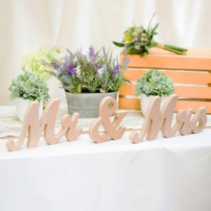 DIY Wooden Mr and Mrs Wedding Signs for Wedding Sweetheart Table MTS100-00