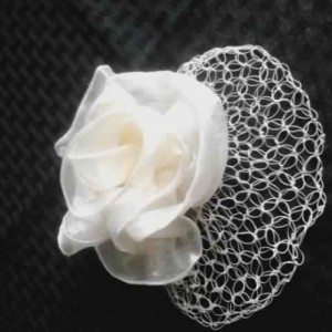 Lover's Knot Birdcage Veil in Champagne Rose