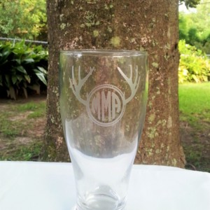 Deer Antlers Monogram Glass,Etched Pilsner Glass, Hunters Monogram, Rustic Monogrammed Beer Glass