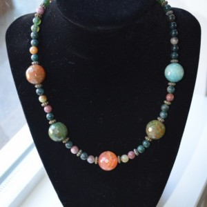 N6- Faceted Agate Necklace