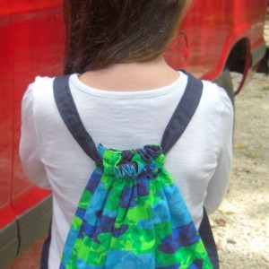 Camo Frogs Child Drawstring Backpack