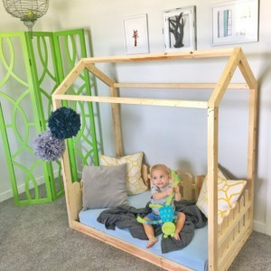 Made in US Toddler House Bed + picket fence