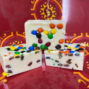 M&M Plain candy Fudge in White Chocolate  1/2 pound  *nut free*  **FREE SHIPPING**