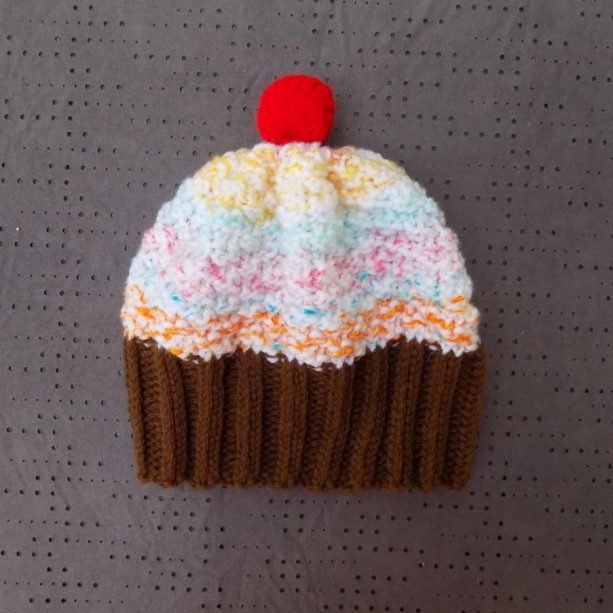 Toddler Knit Cupcake Hat - Rainbow Sherbet