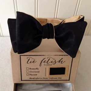 Boys reversible black and gold satin bow tie