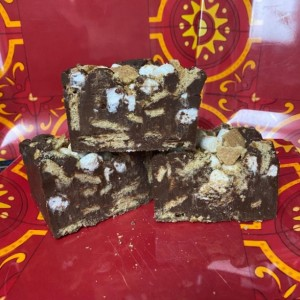 S'mores Milk Chocolate Fudge  *nut free*  1/2 Pound   **FREE SHIPPING**