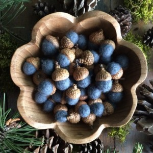 Felted wool acorns, Slate Blue, wholesale set of 50, for winter home decor, table decoration, blue bowl filler, woodland wedding, blue acorn