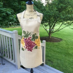 Khaki apron with burgundy and gold grapes, fall gift for her, hostess gift, rustic gift, mothers day gift for her , autumn apron two pockets