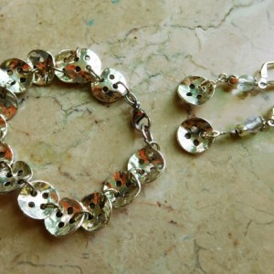 Silver tone buttons bracelet and earring design set.  #BES00117