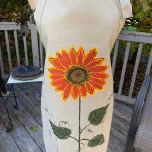 Sunflower apron for women, khaki apron with pockets, baking gifts, Valentine gift from daughter, rustic wedding gift, red orange sunflower