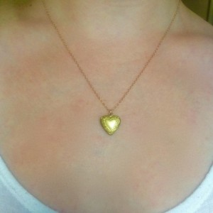 Tiny Gold Locket Necklace, Vintage Locket, 14k Gold Chain, Layering Necklace, Delicate Necklace, Simple Everyday Necklace,