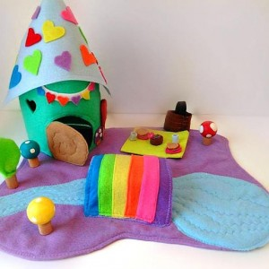 Woodland fairy play mat - Fairy home - Dollhouse - peg doll play mat - playmat - For small dolls - Gnome home - Gift for girls - Girls toys