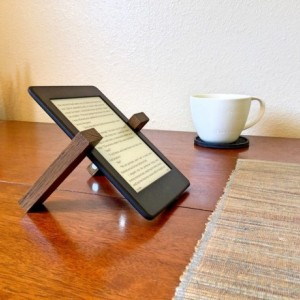 The Knapsacker - Portable iPad/tablet stand