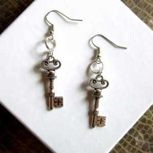Skeleton Key Earrings, Silver Key Earrings, Silver Steampunk Earrings, Steampunk Key Earrings, Silver Earrings, Key Charm Earrings Paired