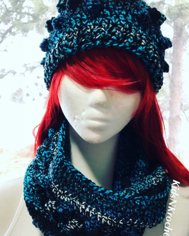 Winter set, hat and infinity scarf