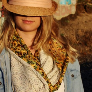 Yellow Sunflower Reversable Ivory Open Lace with Scalloped Scroll Paisley Pattern Country Infinity Scarf, Spring Women's Fashion Scarf