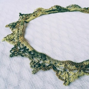 "NeckLACE in LeafyGreen (17"")"