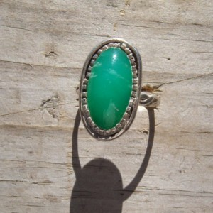 Handcrated sterling silver ring set a natural chrysoprase stone.