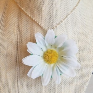 Daisy Cap Necklace