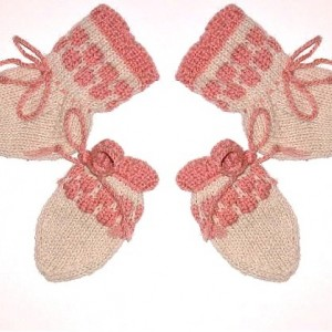 Newborn gift .Cashmere / Wool - Baby Girl / Infant / Preemie - Natural White Socks and Thumbless Mittens.