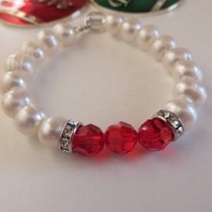 Big Pearls & Christmas Red Bracelet