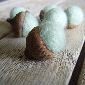Felted wool acorns, set of 6, Mint Green, winter home decor, woodland wedding favor, mint green felt acorns, waldorf acorns, pnw gifts