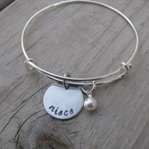 """Niece Bracelet- Hand-Stamped """"niece"""" Bracelet with an accent bead in your choice of colors- Gift for Niece"""