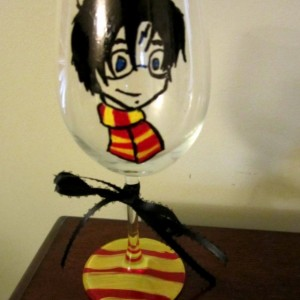 Painted Wine Glass HARRY POTTER with Red and Yellow Scarf  12 oz.