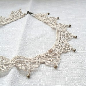NeckLACE in Ecru with Beads