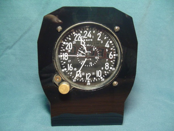 Waltham CDIA military clock--military clock stand