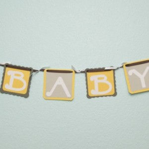 Chick polka dot Banner - yellow grey - (4 characters and and 2 chicks)