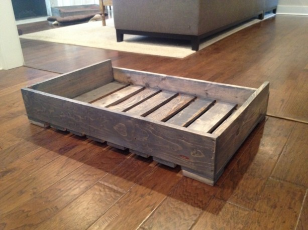 Solid wood pallet style dog bed aftcra for Pallet dog crate