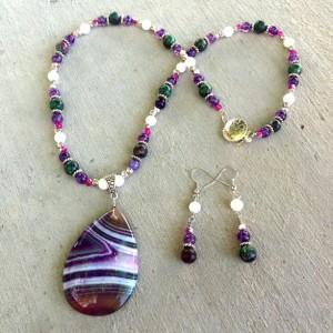 Striped agate pendant, semiprecious zoisite, purple agate, white onyx hot pink rondelle necklace & earrings.