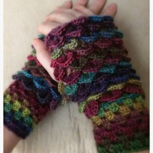 XL Dragon scale / Mermaid woman Finger-less gloves