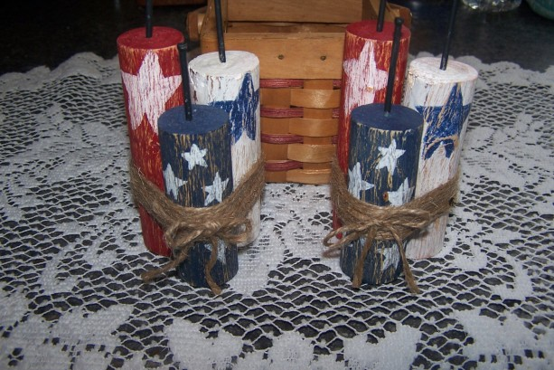 Set of 2 Wood Americana Firecracker Shelf Sitters, Rustic July Fourth Bowl Fillers, Primitive Ornies, Hand Painted Red, White, & Blue
