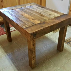 Rustic Handmade Reclaimed Pallet Wood Coffee Occasional Table