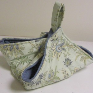 Light Green and Blue Floral Casserole Carrier Tote