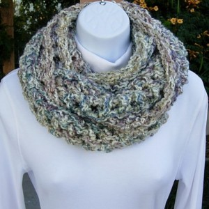 Women's Soft Winter INFINITY SCARF Cowl Loop, Off White, Blue, Purple, Pink, Thick Silky Chunky Winter Endless Crochet Knit Neck Scarf..Ready to Ship in 3 Days