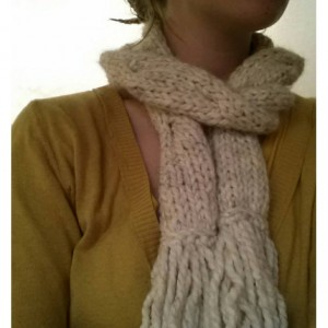 Chunky wool blend cable knit scarf with fringe - Winter White