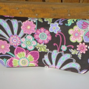Coupon Organizer Cash Budget Organizer Holder- Attaches to your Shopping Cart  Daisy Floral  Plum Lining